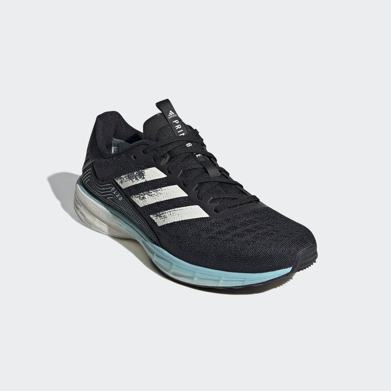 adidas PRIMEBLUE系列SL 20鞋3,890元。 圖/adidas提供