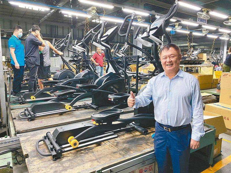 岱宇董事長林英俊表示,岱宇目前產能滿載,集團將在馬來西亞投資設廠,同時持續推動全球併購計畫,為明年營收挑戰百億目標助攻。記者宋健生/攝影
