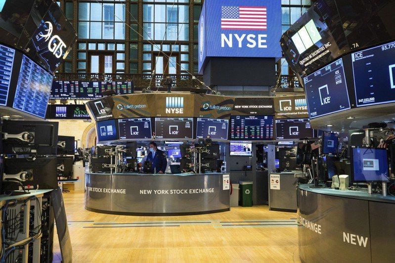 美國股市今(28)日早盤狹幅波動,失業數據仍差,美中關係持續緊張。美聯社