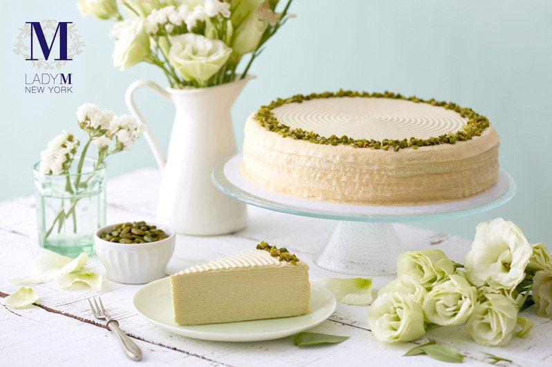 開心果千層蛋糕,9吋2,800元、切片280元。圖/Lady M提供