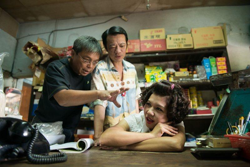《黑白》導演游堅煜(左)與吳朋奉。 圖/華影