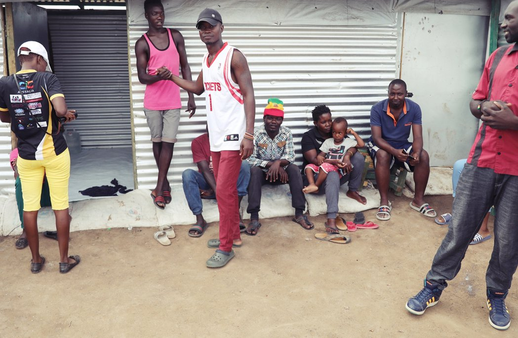 希望在世界另一端?圖為暫時落腳肯亞的烏干達LGBT難民們。 圖/路透社