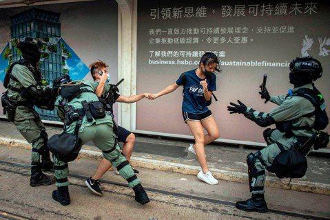 「究竟要發出多大的聲響,弱勢者的苦難才會被聽見?」圖為2019年香港反送中抗爭運...