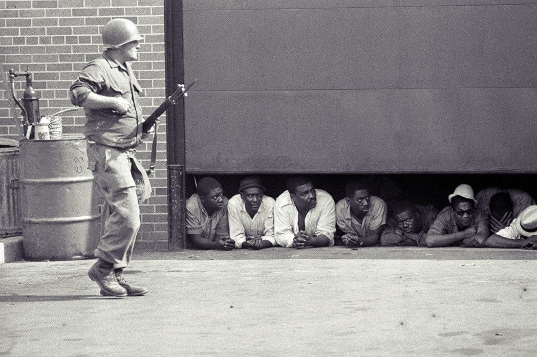 1963年時黑人運動領袖麥爾坎.X(Malcolm X)所說:如果你帶著黑皮膚在...