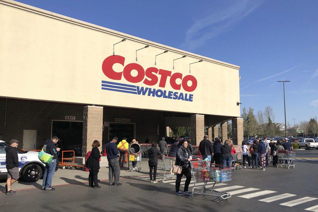 好市多財務長賈蘭提表示,美國門市多數熟食區將在6月中重新開放。美聯社
