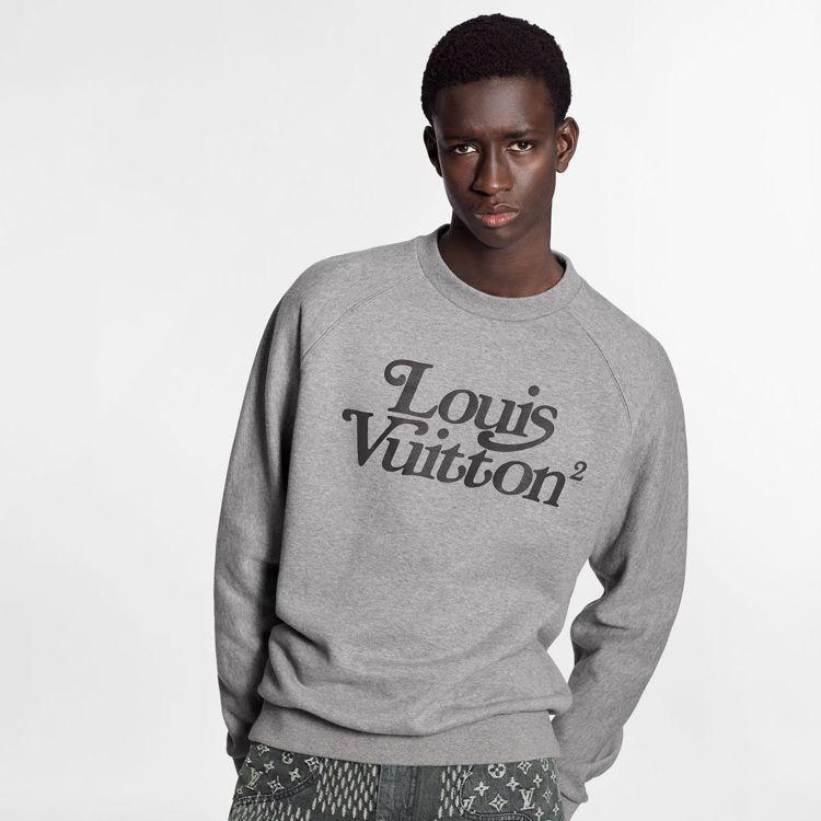 灰色運動衫,34,100元。圖/LV提供