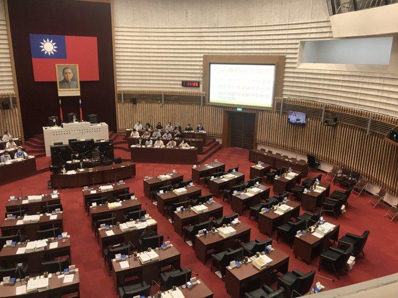 高市議會今天進行農林部門業務報告與質詢議程。記者徐白櫻/攝影