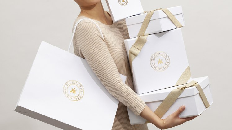 2020法國嬌蘭全新法式禮盒&提袋。圖/嬌蘭提供