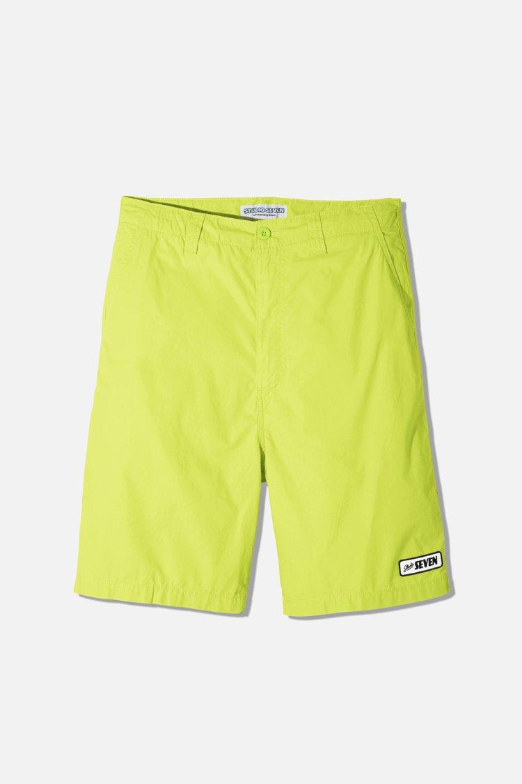 GU與STUDIO SEVEN聯名系列男裝短褲790元。圖/GU提供