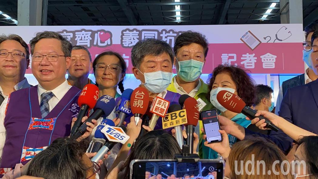 陳時中受訪時讚台灣產業界非常厲害,看到社會需要,馬上就可以連結起來。記者高宇震/...