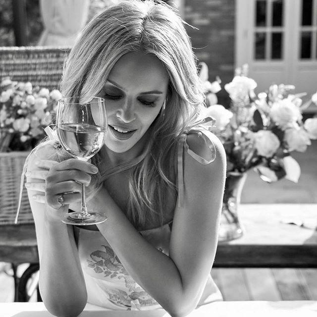凱莉米洛52歲生日,感謝粉絲支持。圖/摘自Instagram