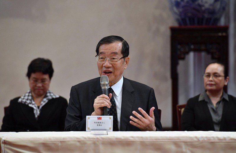 蔡總統提名黃榮村(中)為考試院長,外界反應平淡。 (中央社)