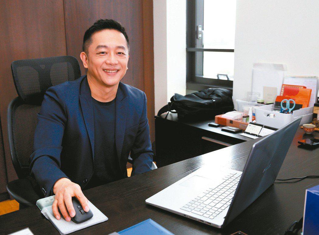 本土劇一哥陳昭榮轉戰電商有成。記者曾吉松/攝影