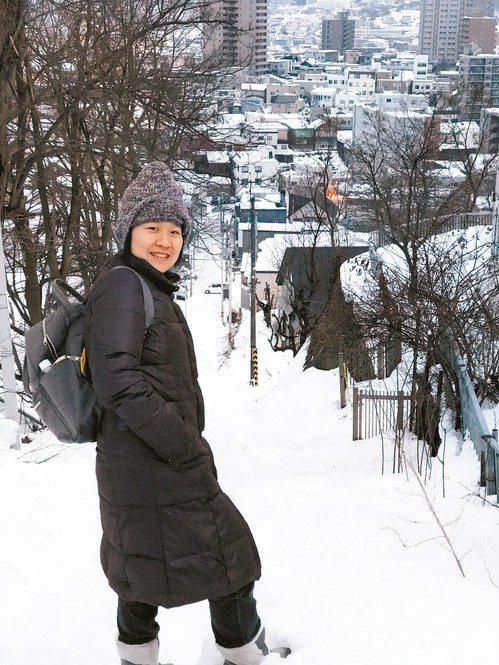 邱怡儒隻身前往日本打工度假,親友只要到日本旅遊,她也樂當導遊帶大家出遊。圖/邱怡...