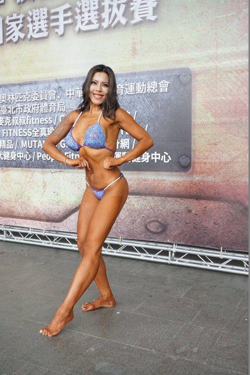 黃苡萱從事健身三年多來已瘦了24公斤。 記者劉肇育/攝影