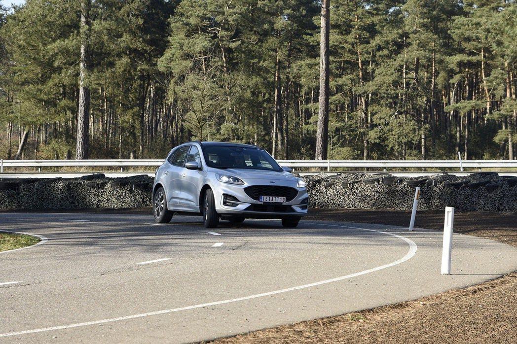 比利時的「Lommel車輛研究測試中心」是歐洲Ford最具指標性的測試場域,更是...