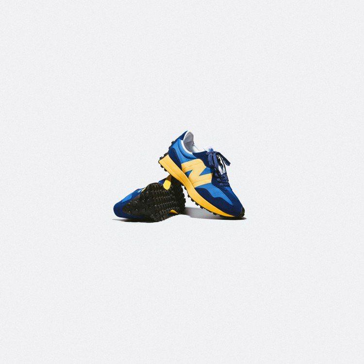 New Balance MS327CLB休閒鞋3,280元。圖/New Bala...
