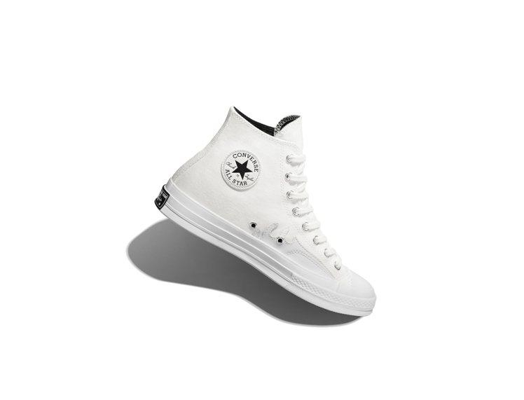 Converse White Flames系列Chuck 70帆布鞋2,980元...