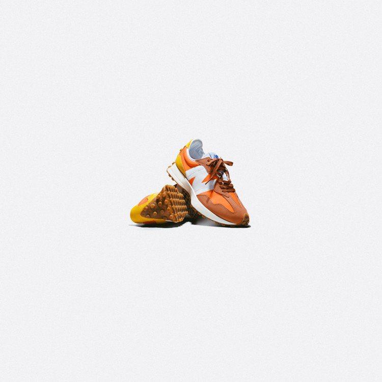 New Balance MS327CLA休閒鞋3,280元。圖/New Bala...