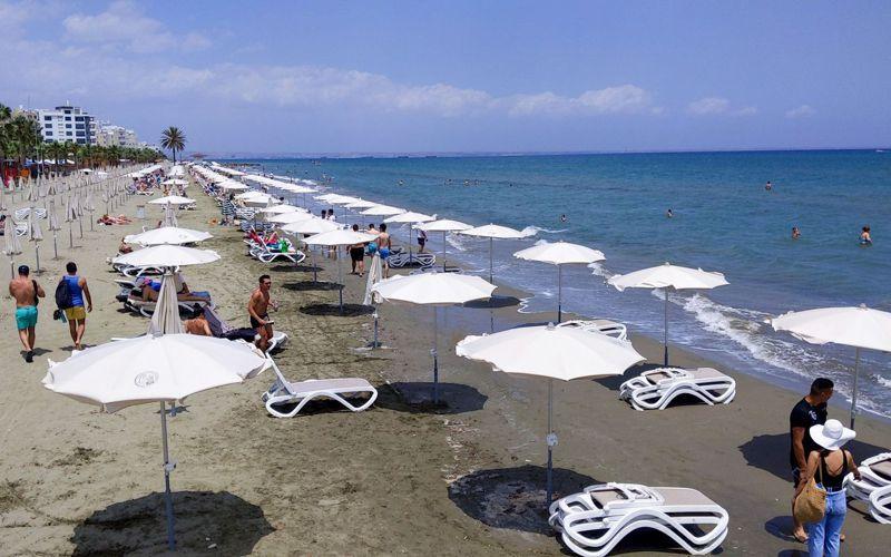 為了振興旅遊業,塞浦路斯表示,旅客若確診感染新冠病毒,餐飲住宿和藥費由政府負擔。法新社