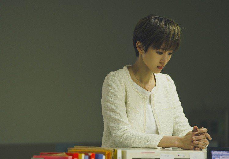 張鈞甯跳脫形象為戲剪「男生頭」。圖/頤東娛樂提供
