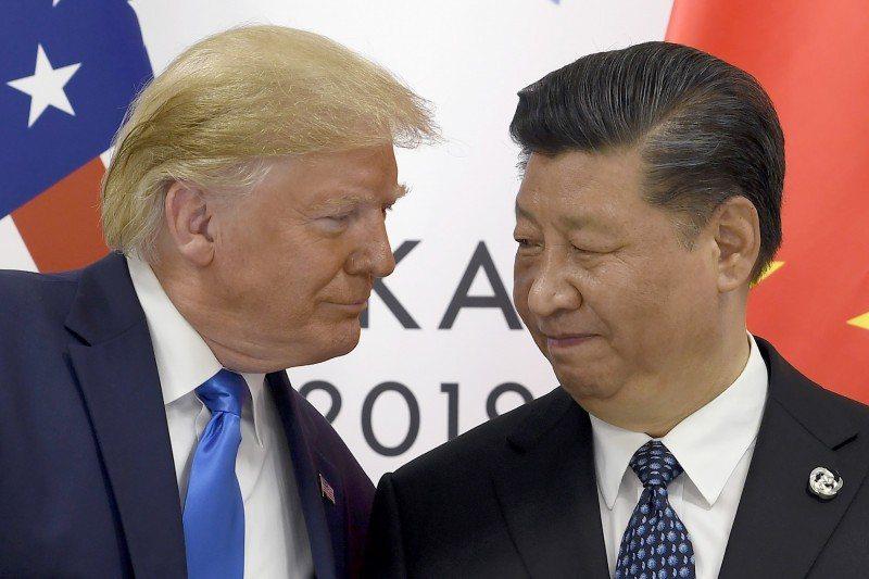 美國總統川普(左)與大陸國家主席習近平(右)。圖/取自美聯社