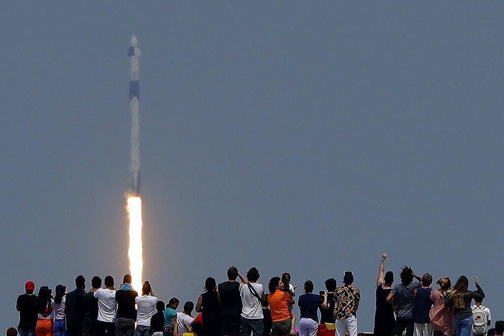 SpaceX載人火箭成功發射 美國重返太空