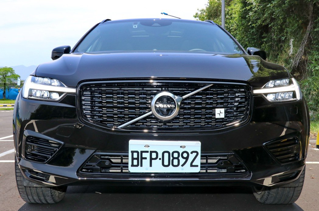 VOLVO XC60 T8 Polestar Engineered在外型設定下就...