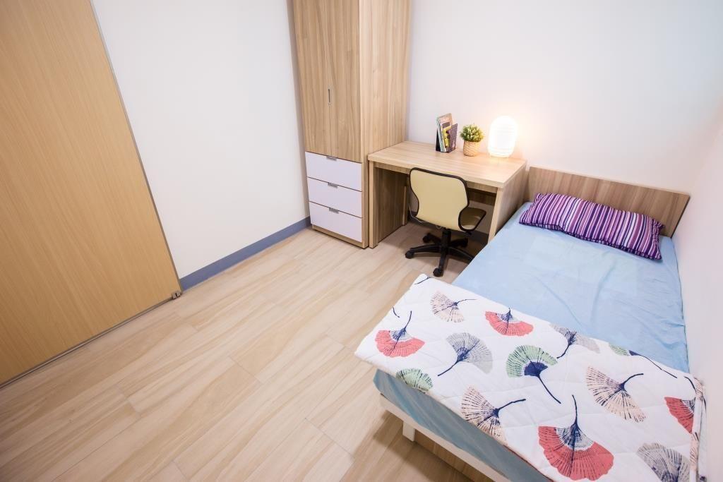 高雄市老青共居社會住宅,各戶室內配備有家具、家電,申請者只要「一卡皮箱」簡單行李...