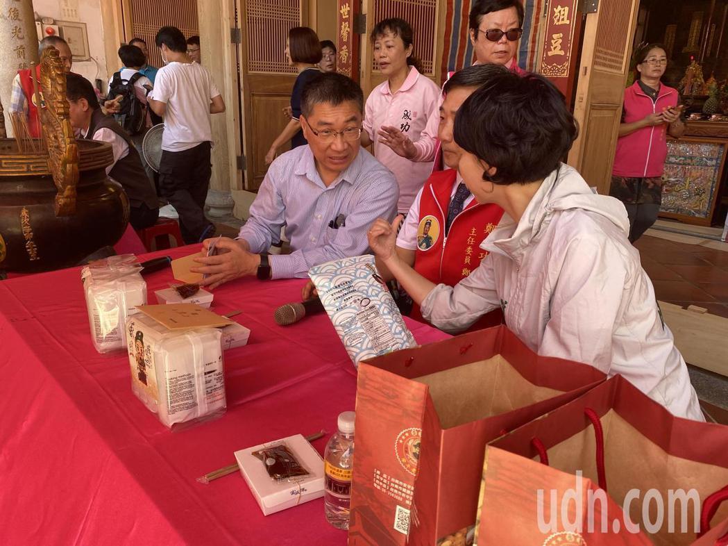 內政部長徐國勇(左)上午南下台南。記者修瑞瑩/攝影