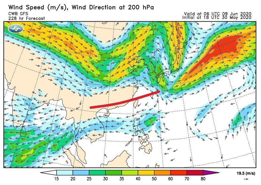 氣象局代理局長鄭明典說,台灣上空出現偏東風時,是一項出梅的指標。圖/取自鄭明典臉...