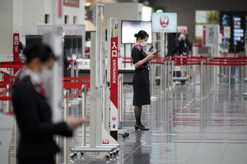 讀賣新聞31日報導,日本政府正考慮放寬泰國、越南、澳洲和紐西蘭等四國公民的入境限制。圖為東京羽田機場。歐新社