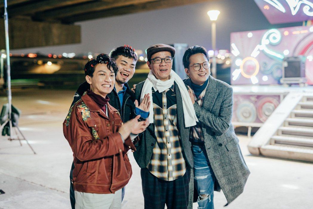 茄子蛋誇吳朋奉(右二)演技精湛,且很樂意提攜後輩。圖/艾格普蘭特艾格有限公司提供