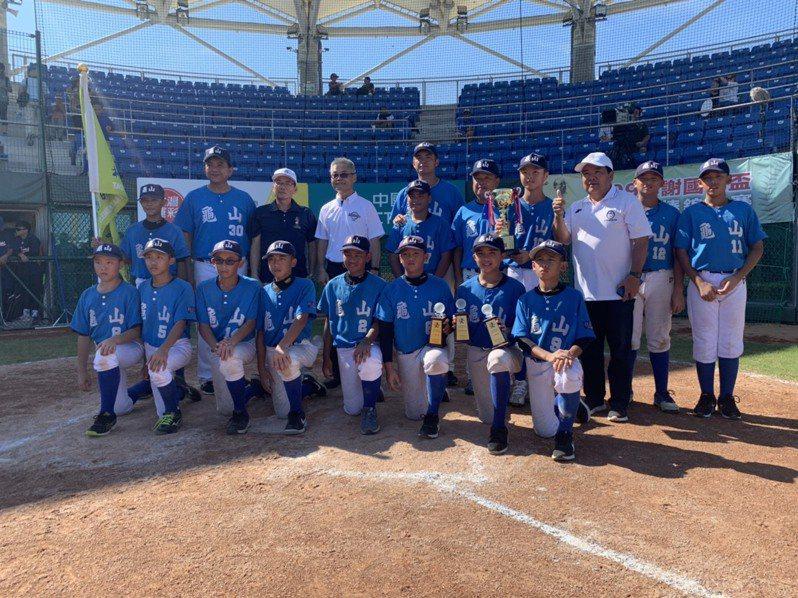 桃園市完成謝國城盃全國少棒錦標賽三連霸。圖/中華棒球協會提供