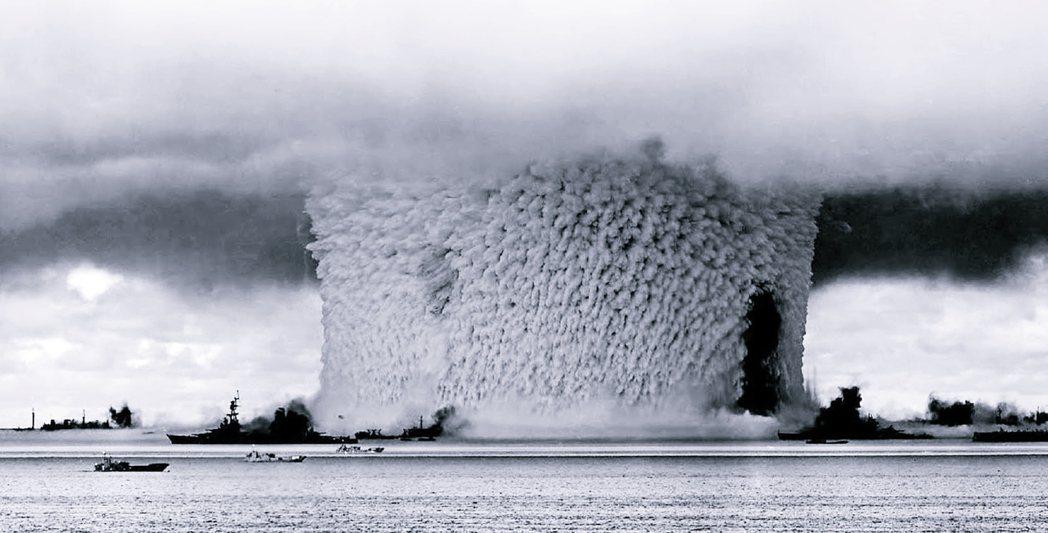 今年5月傳出美國考慮重拾核試驗。圖為美國1946年的「十字路口行動」,於馬紹爾群...