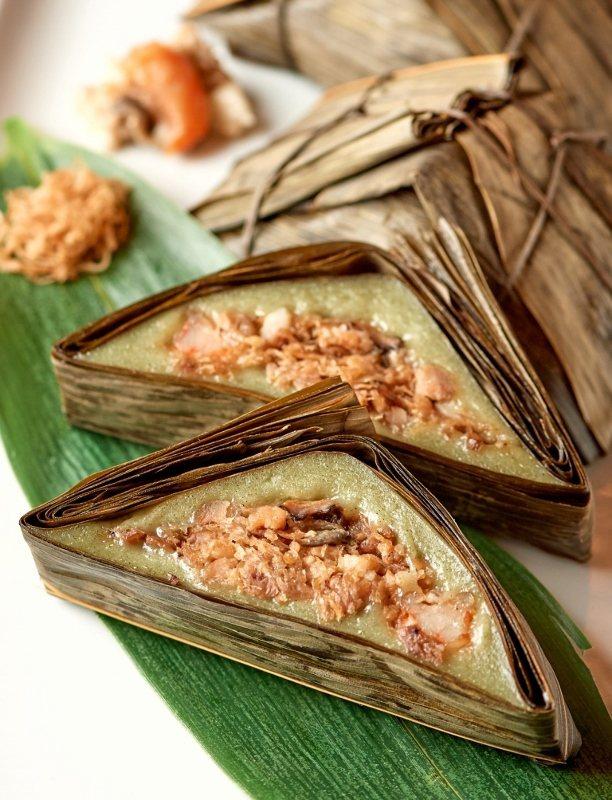 台北福華大飯店珍珠坊廣式禮盒內的「艾草菜脯鹹粿粽」。 業者/提供