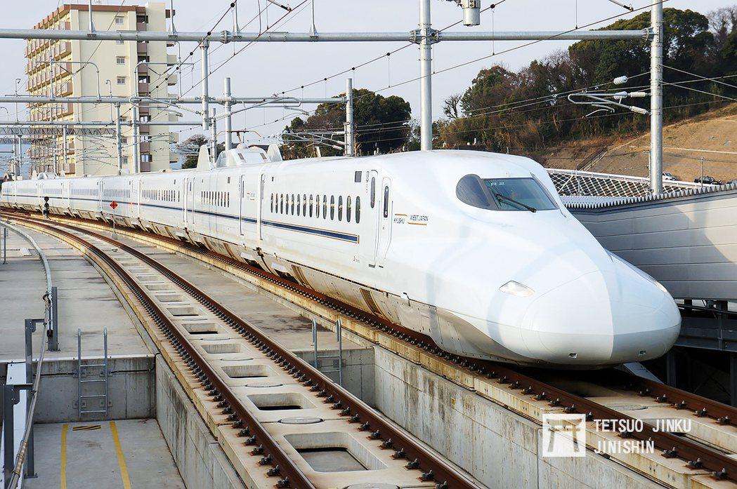 九州新幹線鹿兒島路線通車後,成為九州陸上交通的大動脈,除大幅縮短旅程外,並可直通...