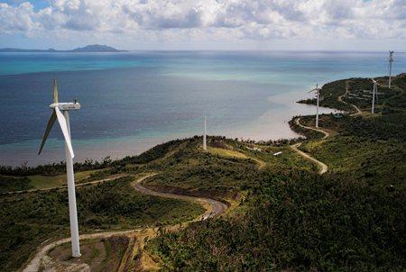 圖說:除了地震,颶風也是波多黎各經常面臨的自然威脅。圖為颶風吹斷的海岸風力發動機(照片/美國國家地理會社提供)