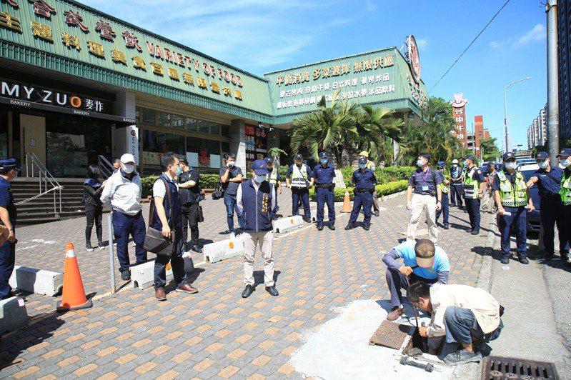 台中市政府今執行中科購物廣場水斷電。圖/台中市都發局提供