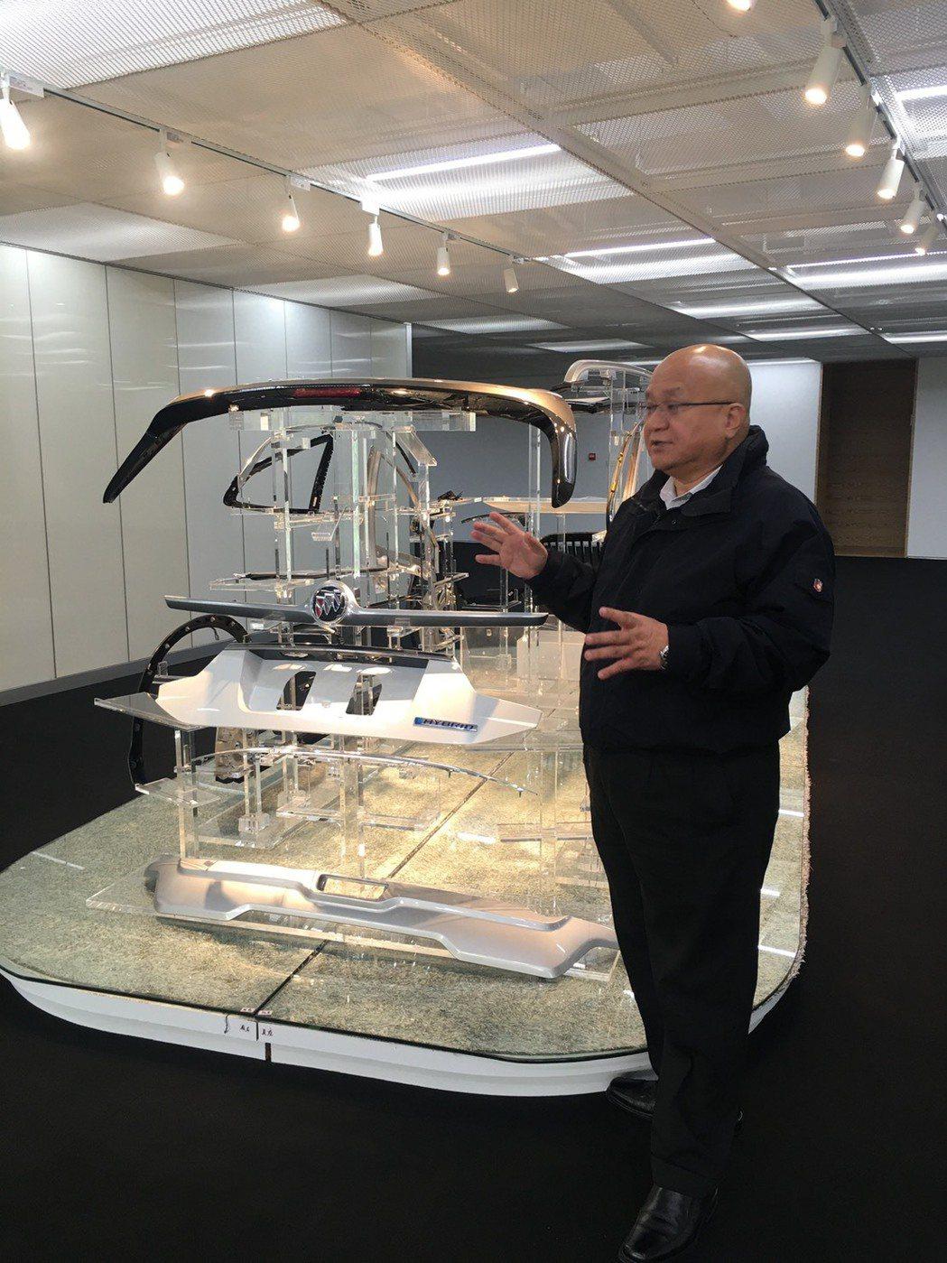 敏實集團創辦人秦榮華,鮭魚返鄉後,對於國內的人才教育非常重視。公司提供