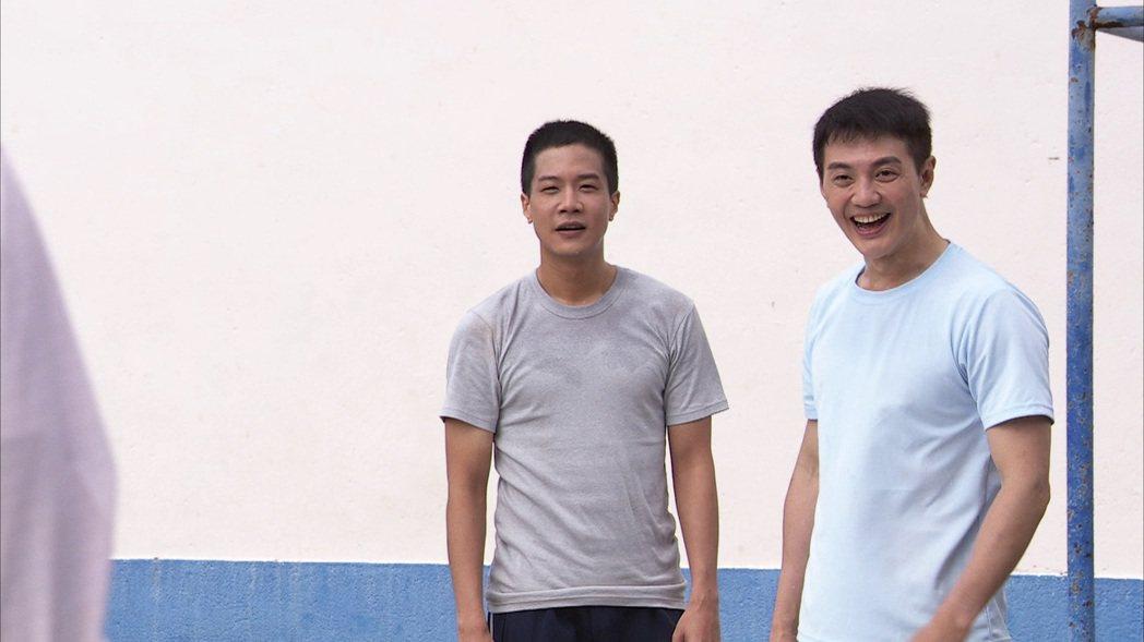 薛仕淩(左)、方大緯鬥牛戲碼衝高收視。圖/台視提供