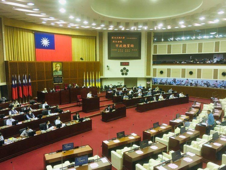台北市長柯文哲昨天赴市議會總質詢。記者張世杰/攝影