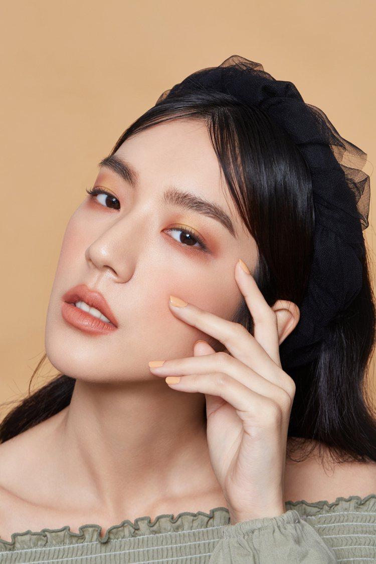 藝想調色眼彩盤#日安妝容。圖/KAIBEAUTY提供
