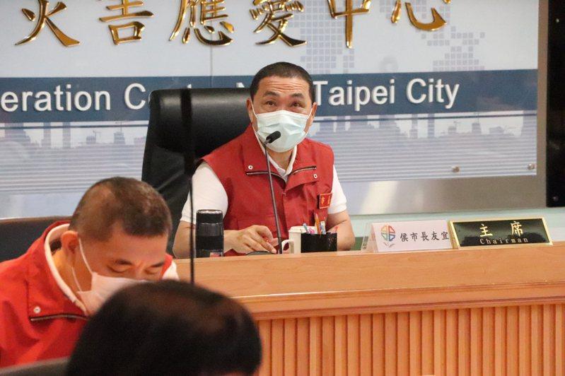 針對周日大解封,新北市長侯友宜昨表示,將配合中央政策不斷漸進開放。 記者吳亮賢/攝影