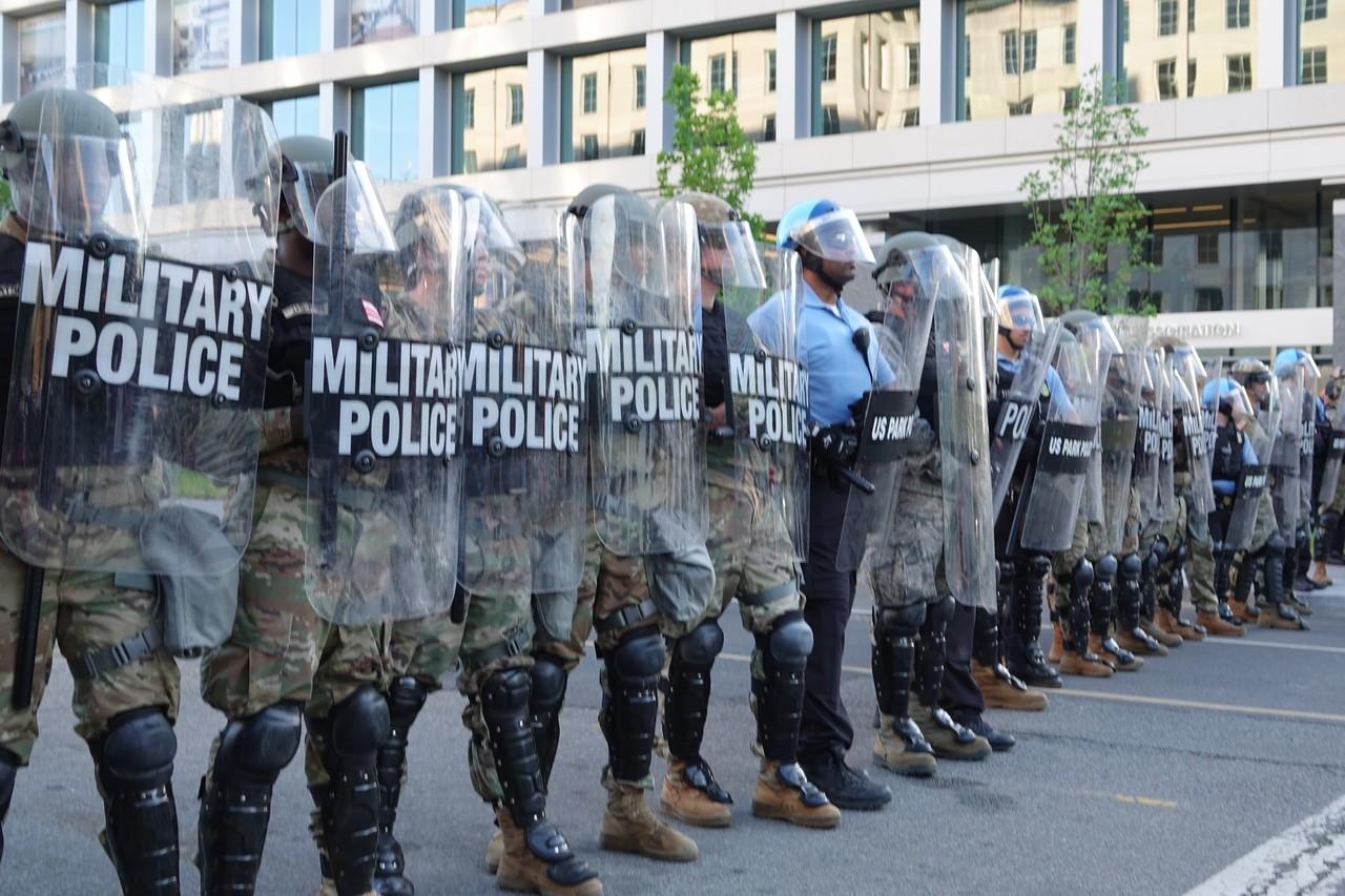 示威動亂過後 美國首都華府變成什麼樣