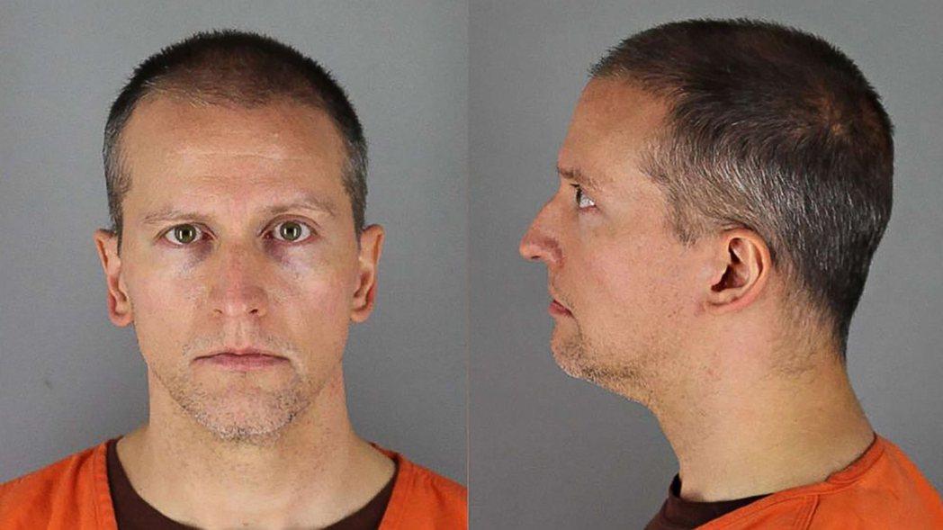 亨內平郡檢察官的第一波起訴,只有壓頸的沙文,被控「三級謀殺」與「過失致人於死」;...