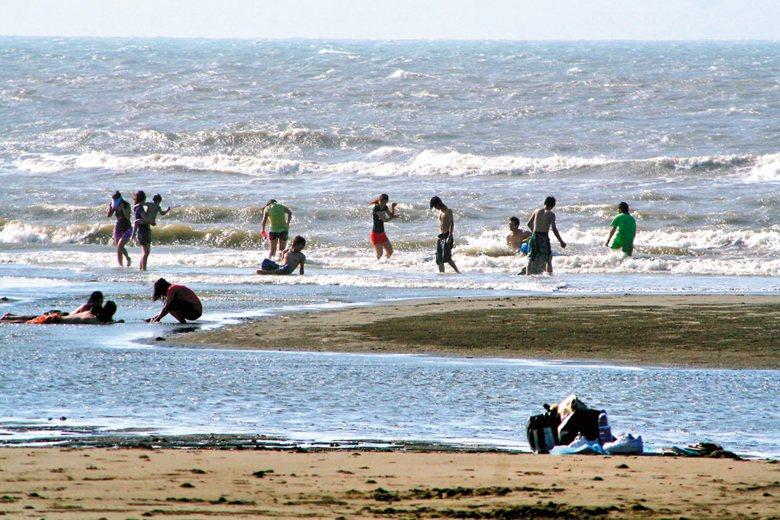 絕大部分的人一旦漂離海岸,想要憑自身能力回到岸上非常困難。 圖/聯合報系資料照