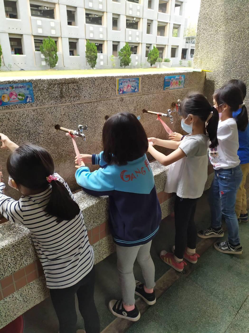 嘉義市學生仍維持勤洗手觀念,讓腸病毒大幅下降。圖/嘉義市府提供