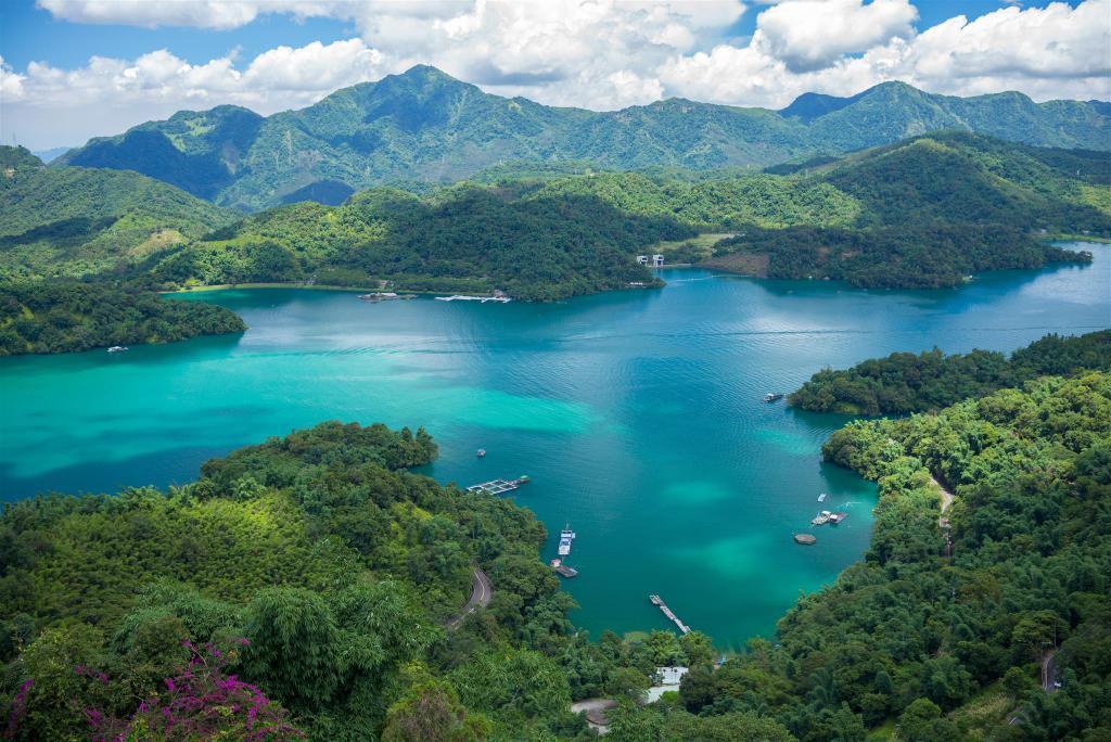 日月潭湖光山色,景色優美。 圖/Agoda提供