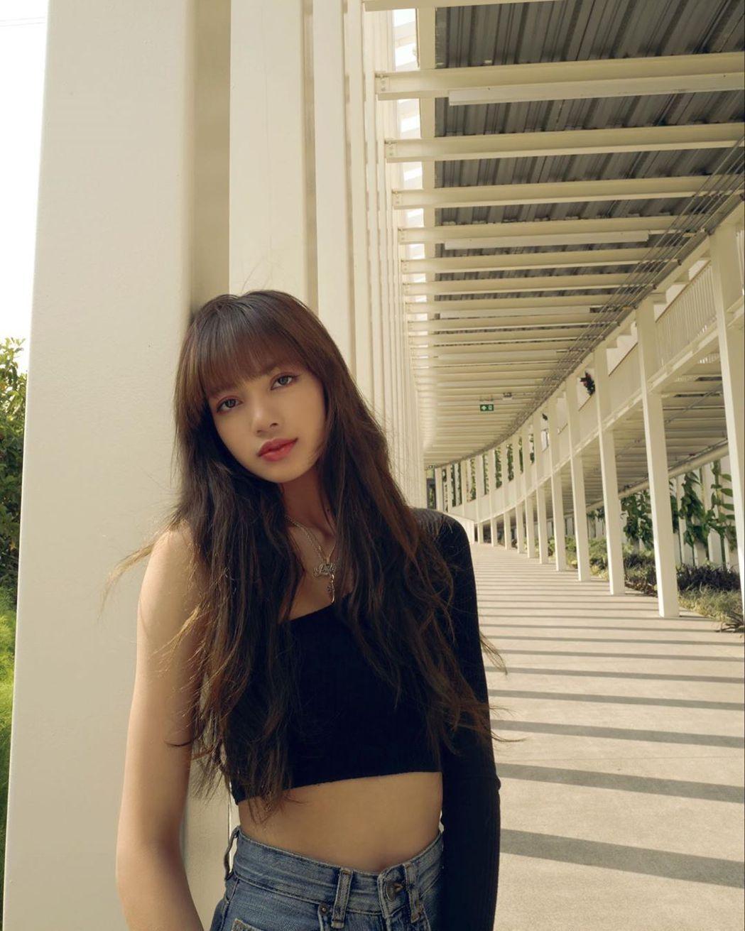 LISA遭相當信任的前經紀人騙走10億韓元。圖/摘自IG